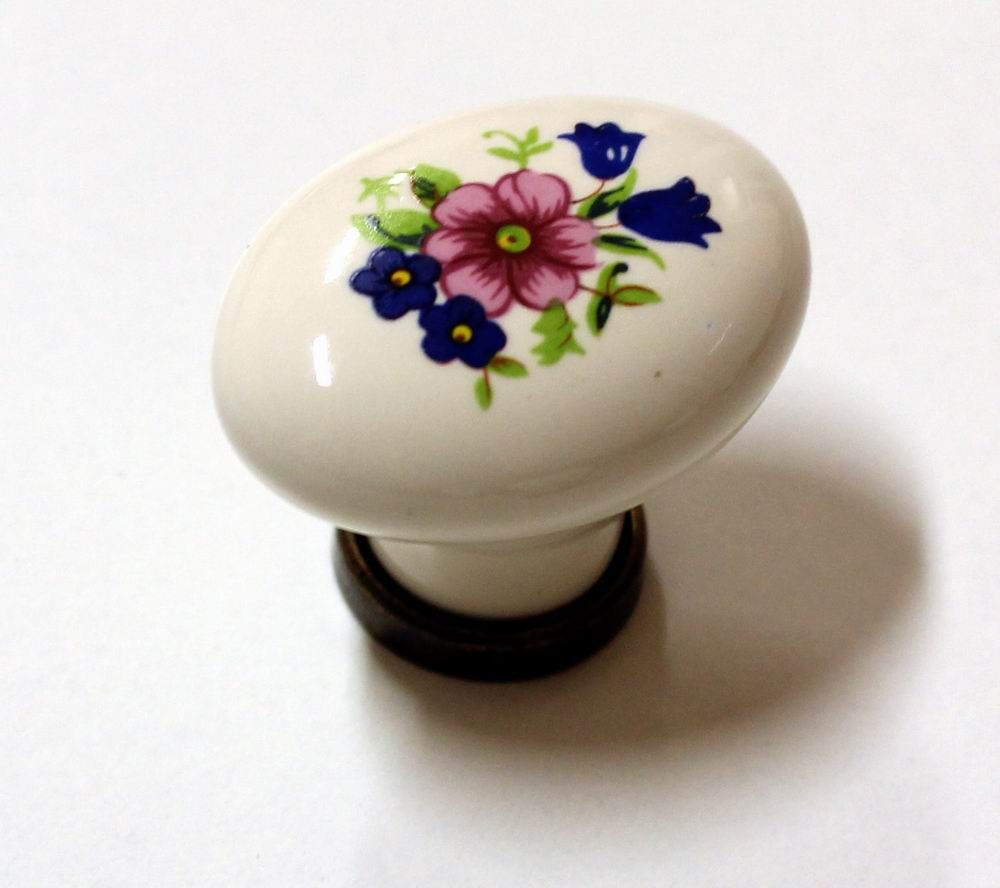 Knopka porcelánová 25x34